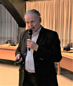 Prof. Dr. med. Peter Kolominsky-Rabas,,Leiter des Interdisziplinären Zentrums für Health Technology Assessment und Public Heath der Friedrich-Alexander-Universität Erlangen-Nürnberg