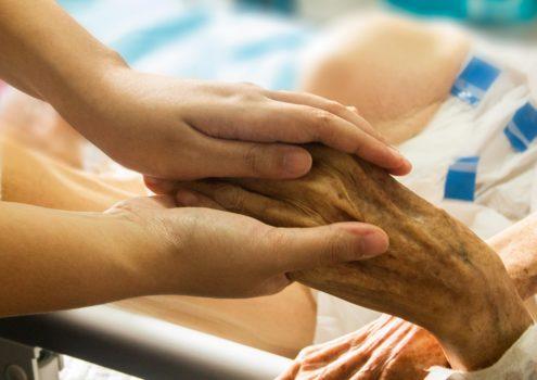 Keine angemessene Versorgung von Menschen mit Demenz in ihrer letzten Lebensphase