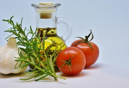 Tomaten, Knoblauch und Olivenöl