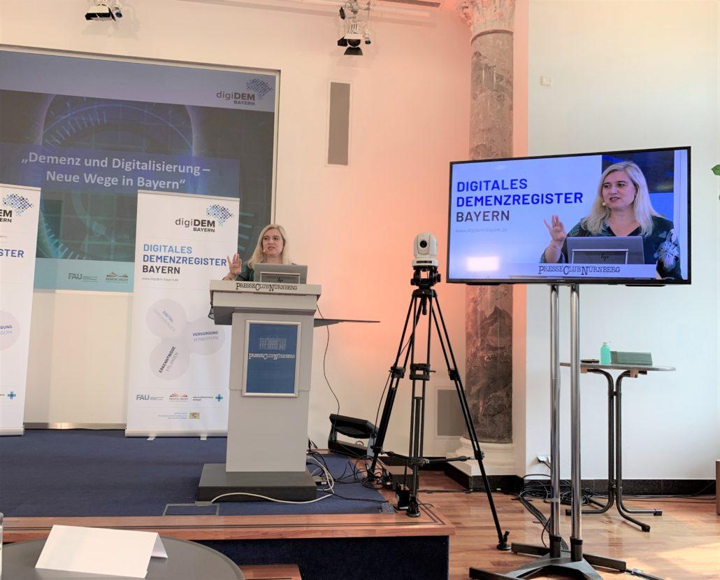 Staatsministerin Huml treibt digiDEM Bayern weiter voran