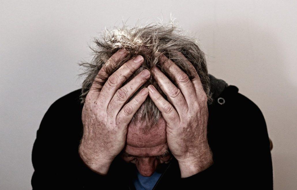 Schmerzen bei Menschen mit Demenz erkennen und behandeln