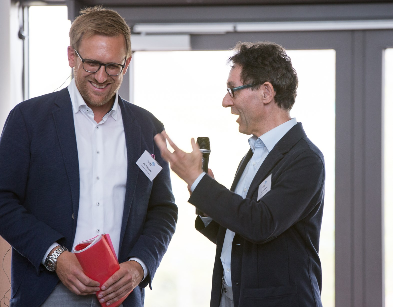 """Interview mit Professor Elmar Gräßel zu digiDEM Bayern, Thema: """"digitale Unterstützungsangebote"""""""