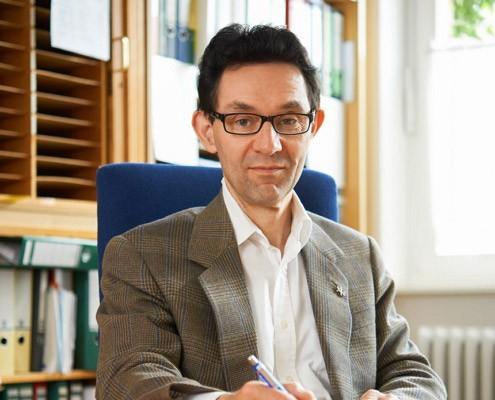<br>Prof. Dr. med. <br>Elmar Gräßel<br><br>